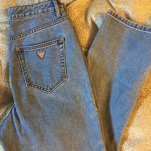 High Rise Light Wash Guess Jeans 👖